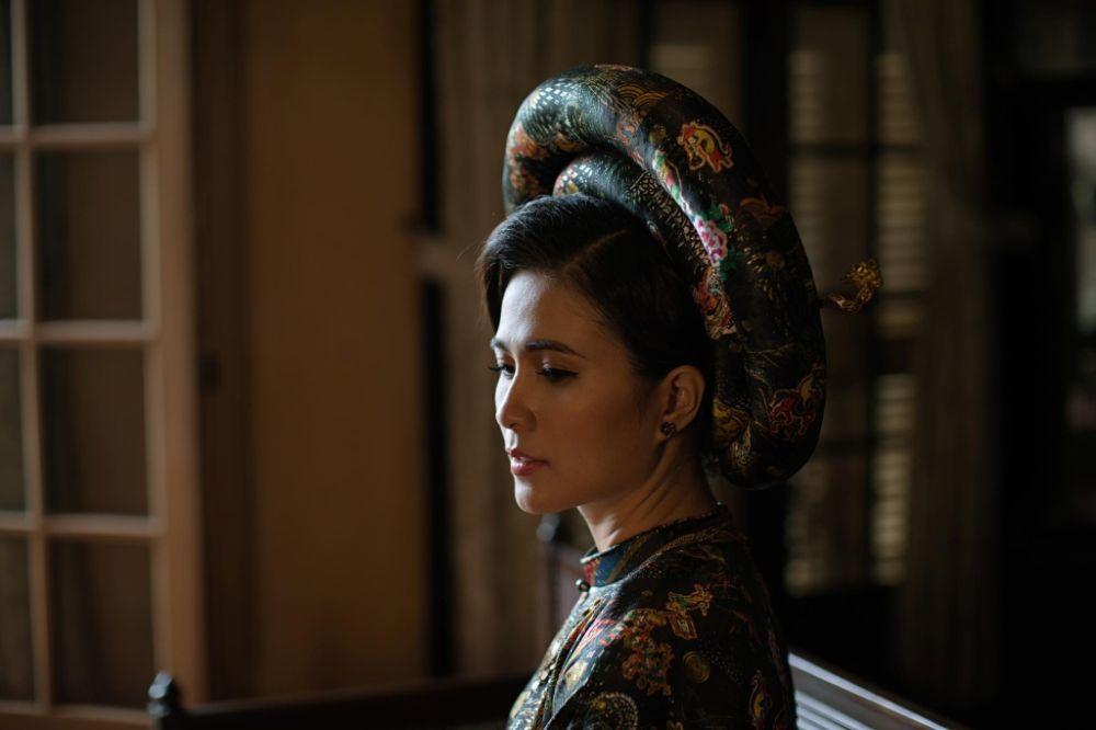 DVĐA Thùy Trang hóa thân Nam Phương Hoàng hậu sang trọng, quý phái trong Áo dài của NTK Việt Hùng